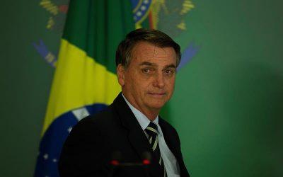 Brasil: Jair Bolsonaro es hospitalizado tras 10 días con hipo