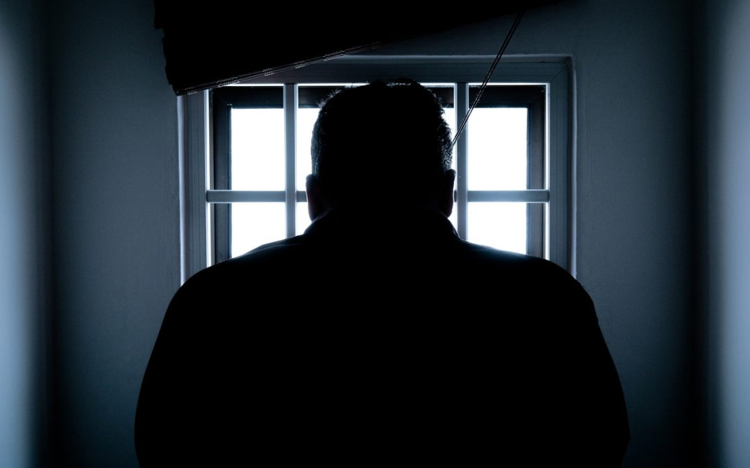 Condenan a prisión a hombre que buscaba fraudulentamente préstamos de ayuda pandémica