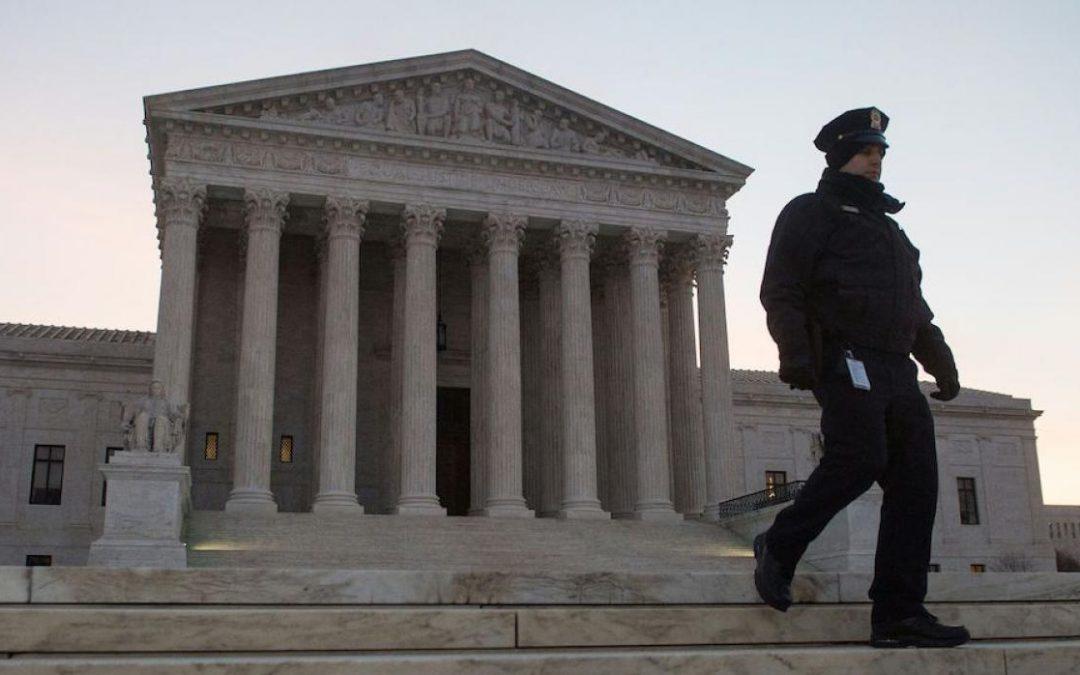Biden presenta comisión para estudiar posibles cambios en la Corte Suprema