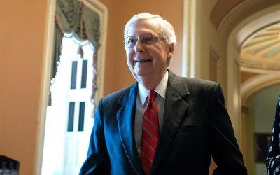 Casa Blanca agradece a McConnell llamar a vacunarse