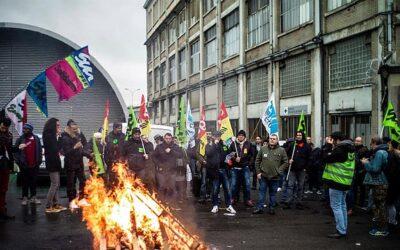 Huelga de transporte genera caos en Francia a días de la Navidad