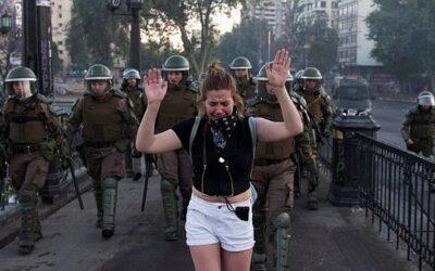 Policía de Chile reconoce responsabilidad en represión durante protestas