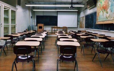 Demócratas de Virginia impulsan el regreso a la escuela presencial