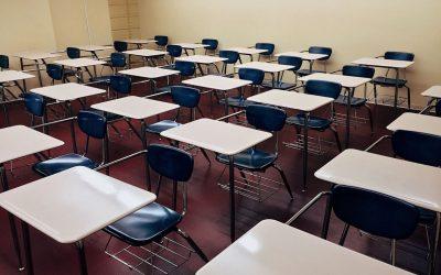 Estudiantes de Massachusetts deberán seguir usando mascarillas en la escuela durante el verano