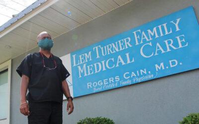 Cómo Florida drenó su sistema de salud pública y le abrió la puerta a COVID
