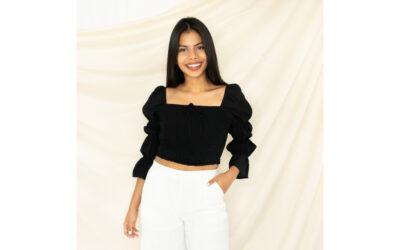 Joven nicaragüense promueve marca de ropa con propósito y sello latino