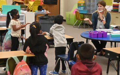 Tribunal de apelaciones de Florida restableció la prohibición estatal de mandatos de cubrebocas en escuelas
