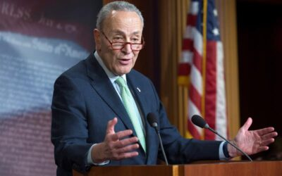 Senadores republicanos buscan retrasar la votación anticipada sobre el plan de infraestructura