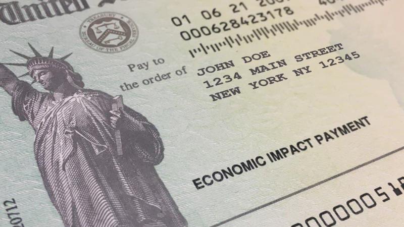 Demandan a Hogan por poner fin a los beneficios federales de desempleo