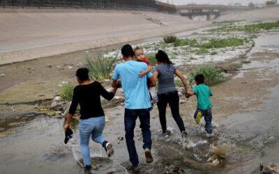 La Casa Blanca anuncia la creación de un grupo de trabajo para reunir a familias separadas en la frontera