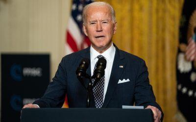 Agenda educativa de Biden expandiría el rol federal
