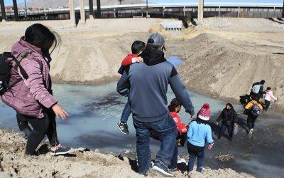 CLAVES | ¿Qué tipo de migrantes quedarán fuera de la reforma migratoria de Biden?