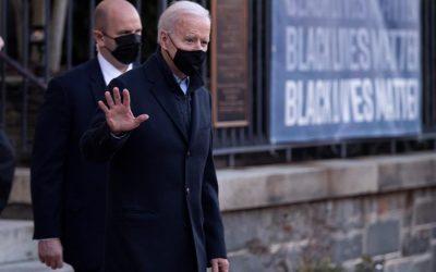 Biden firma orden ejecutiva que promueve los derechos del voto