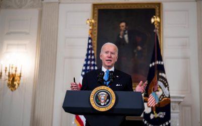 Biden limita la elegibilidad para los pagos de estímulo bajo la presión de los demócratas moderados en el Senado