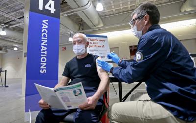 Vacuna de Novavax contra la influenza y el COVID-19 genera resultados positivos