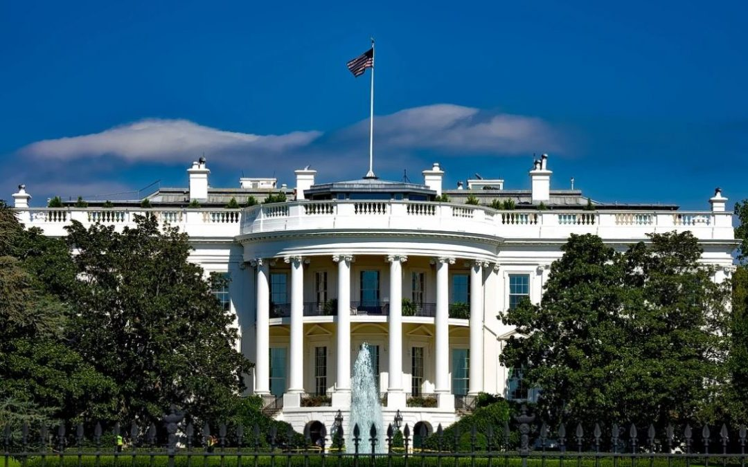 Casa Blanca ordena revelar los registros de Trump al comité del 6 de enero