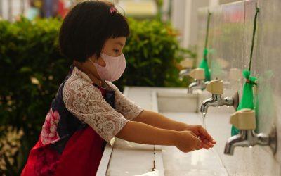 Directora de los CDC anima a los padres a vacunar a sus hijos