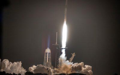 SpaceX envió cuatro astronautas a la Estación Espacial Internacional este viernes