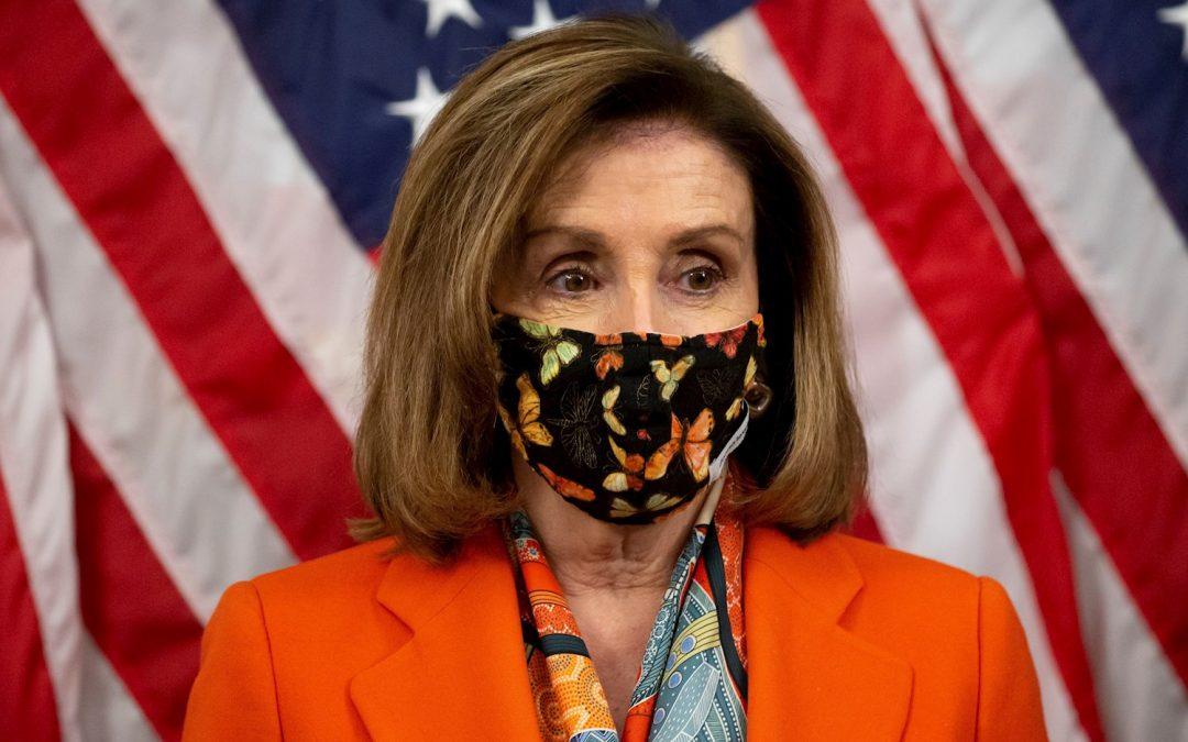 Hombre se declara culpable de amenazar con dispararle a Nancy Pelosi