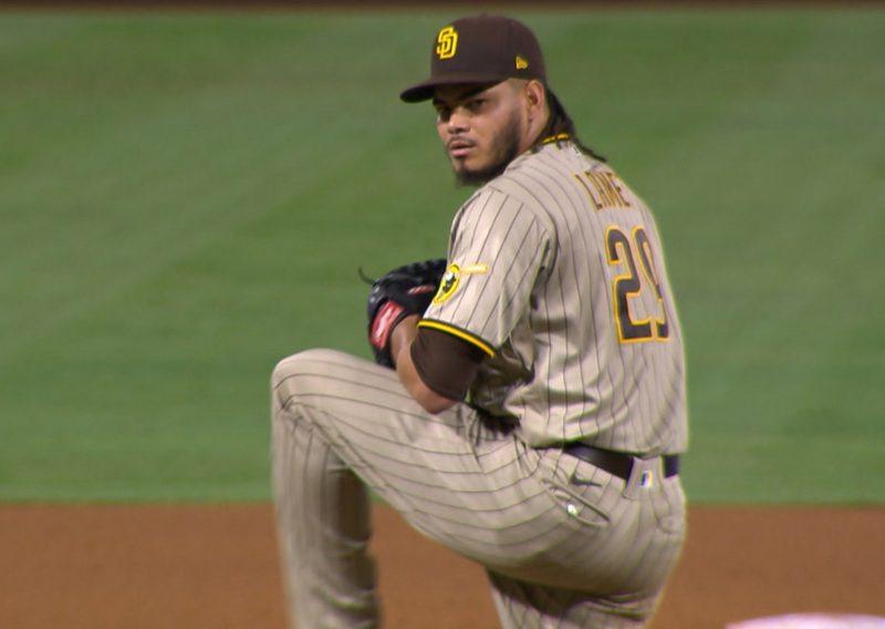 Dinelson Lamet sobre la lomita / Captura de MLB Network