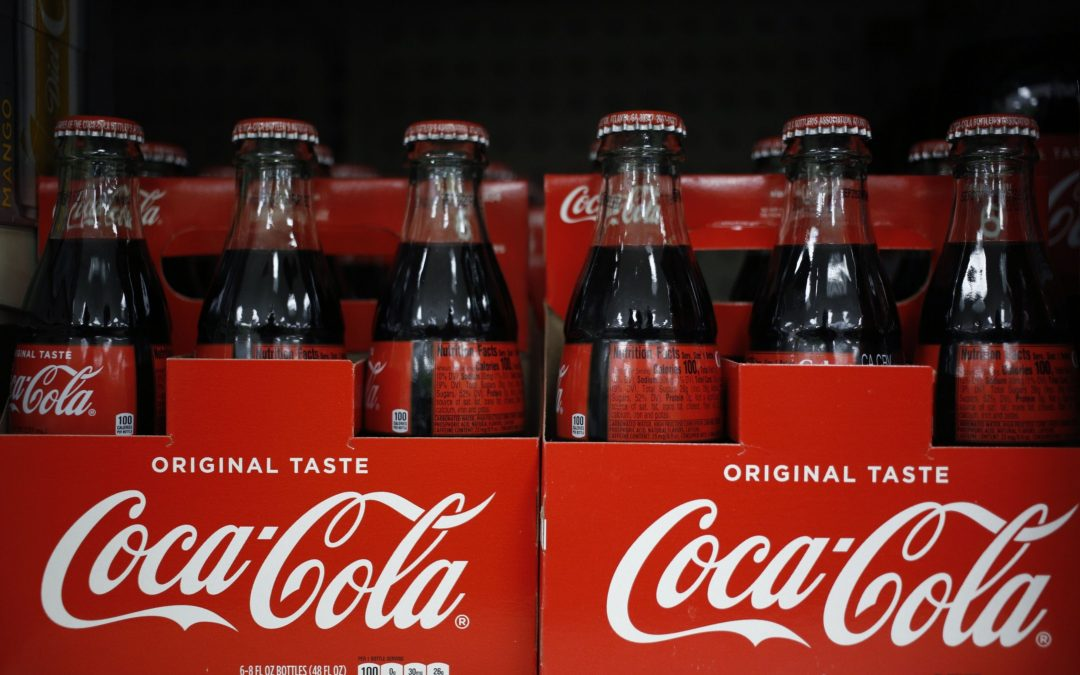 Aumentan las ventas de Coca-Cola a medida que las vacunas para el Covid refuerzan la recuperación