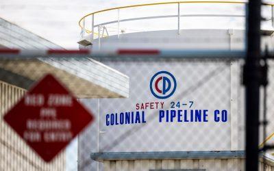Precios del gas suben mientras Colonial Pipeline trabaja para restaurar las operaciones