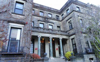 Boston College permitirá invitados en sus graduaciones