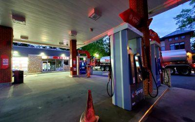 Persiste la escasez de combustible a medida que se reanudan las operaciones en el Oleoducto Colonial