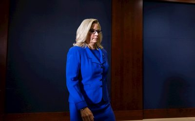 Republicanos destituyen a Liz Cheney tras oponerse a Trump