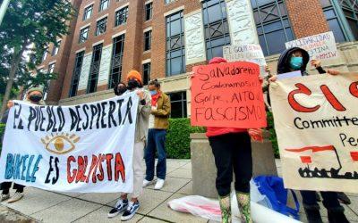 Migrantes y activistas salvadoreños protestan en DC contra la destitución de magistrados de su país