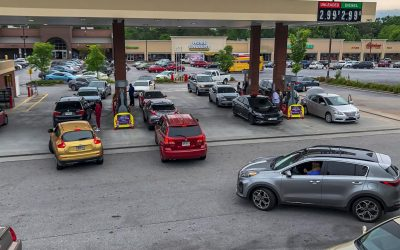 Compras nerviosas de gasolina amenazan con aumentar desabastecimiento en la Costa Este