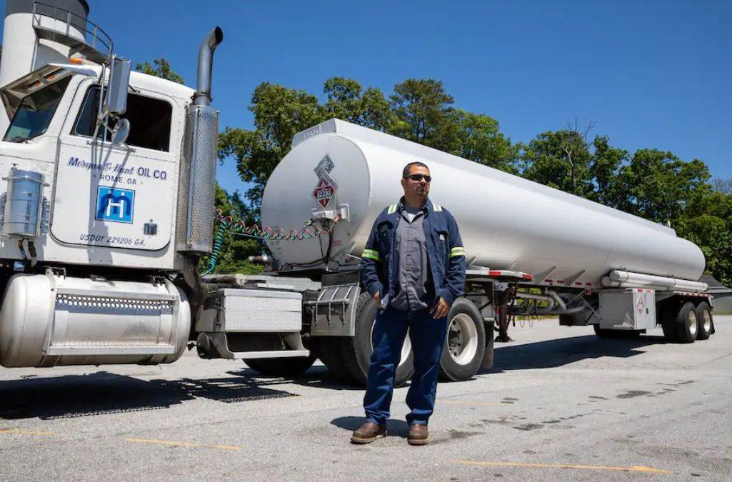 Escasez y altos precios del combustible afectan a la industria de camiones