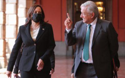 """López Obrador calificó como """"trascendente"""" su encuentro con Harris"""