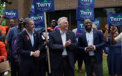 Encuesta muestra al demócrata McAuliffe como el favorito a la gobernación de Virginia