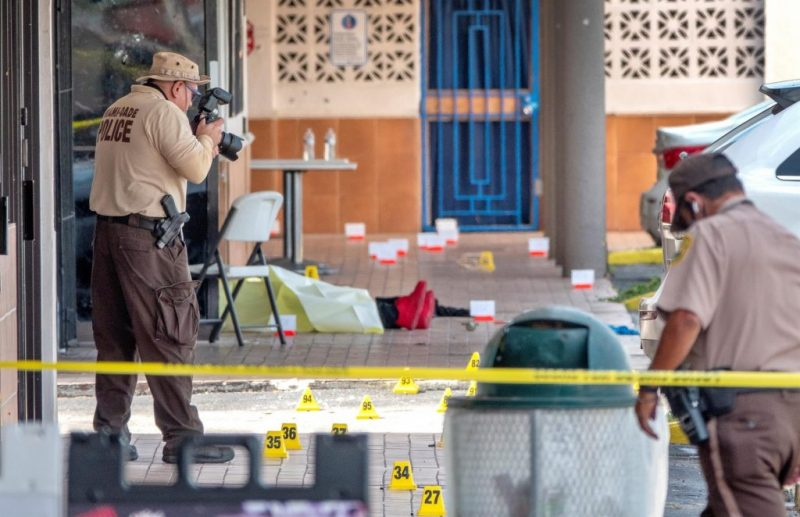 Armas en las calles, protestas y pandemia: El por qué del aumento de crímenes en EEUU