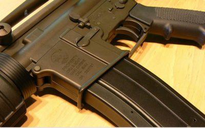 Corte de apelaciones bloquea un fallo para anular prohibición de armas de asalto en California