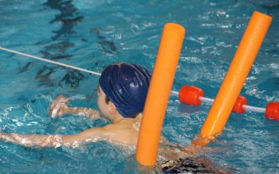 Encuesta de YMCA aborda desigualdades generacionales y raciales sobre la natación