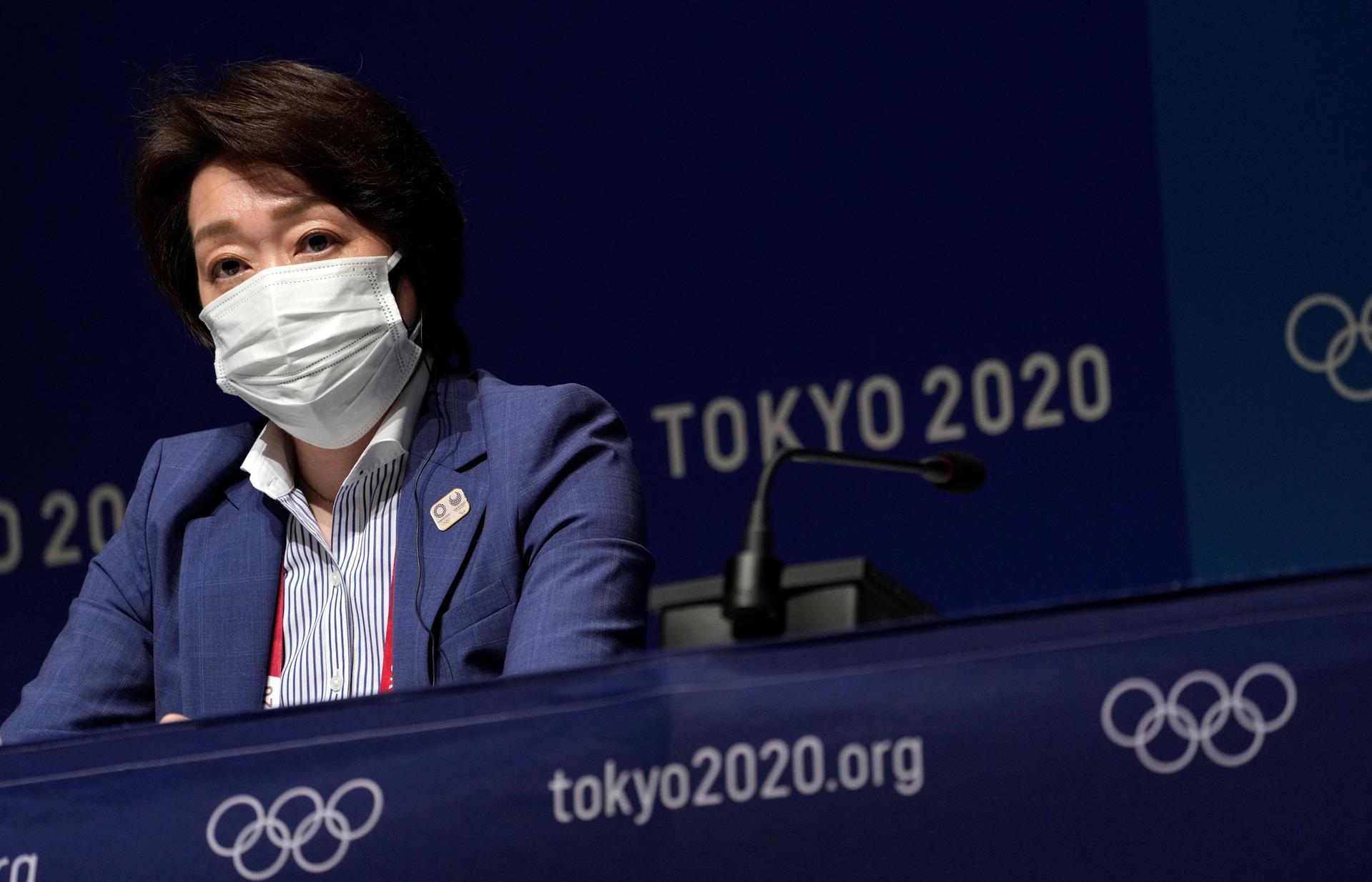 Atleta de gimnasia femenina de EE. UU. dio positivo por COVID-19 en Tokio