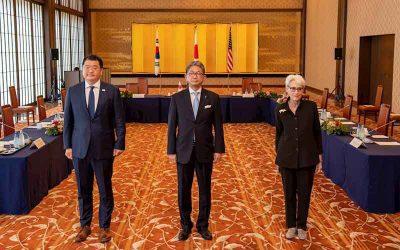 """En diálogo de alto nivel, China advierte a EEUU que su política es """"extremadamente peligrosa"""""""