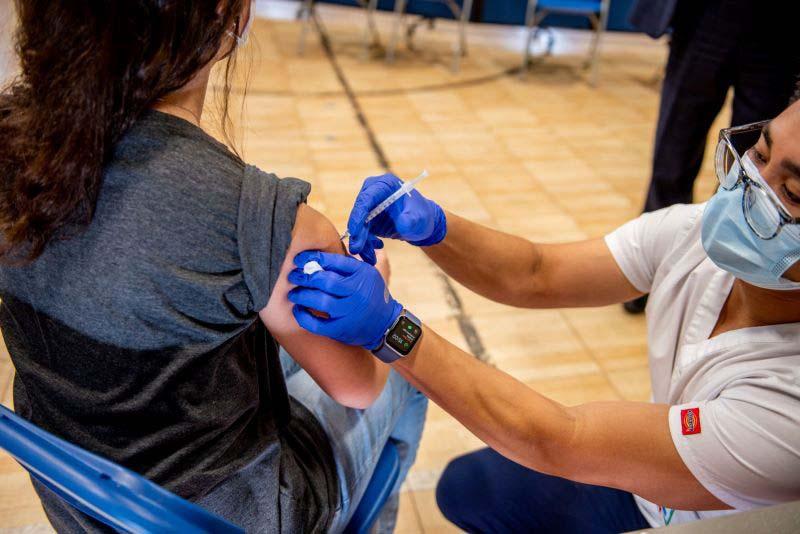 Variante delta: Ex funcionario de Trump pide a los ciudadanos vacunarse para evitar contagios