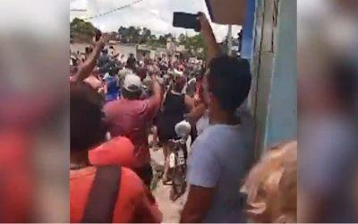 Cuba registra protestas multitudinarias para exigir libertad