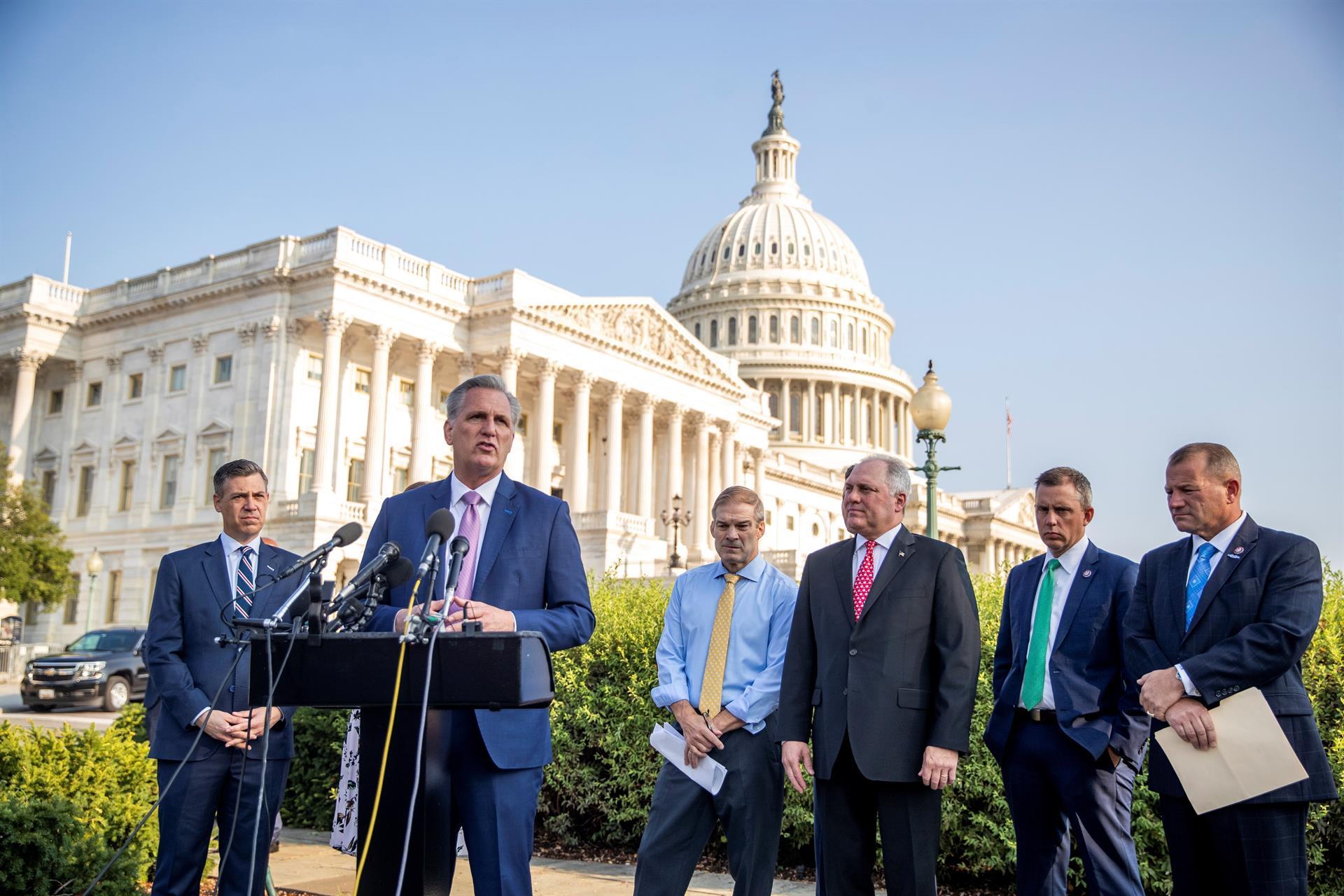 Comité selecto inicia audiencias en medio de tensión entre republicanos y demócratas