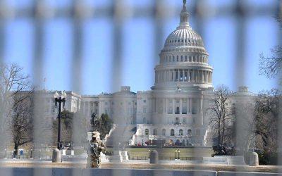 Oficial de la Policía del Capitolio le dijo a un alborotador del 6 de enero que ocultara pruebas