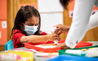 Corte federal permite a escuelas de Florida exigir uso de cubrebocas