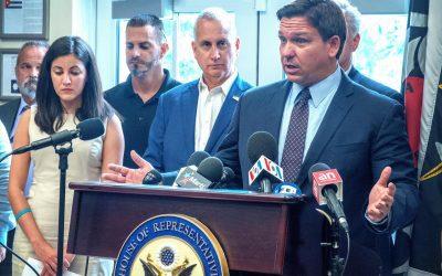 DeSantis decide no intervenir ante el COVID-19 mientras las hospitalizaciones en Florida alcanzan un récord