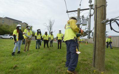 Pepco ofrece entrenamiento laboral en la Academia de Infraestructura de DC