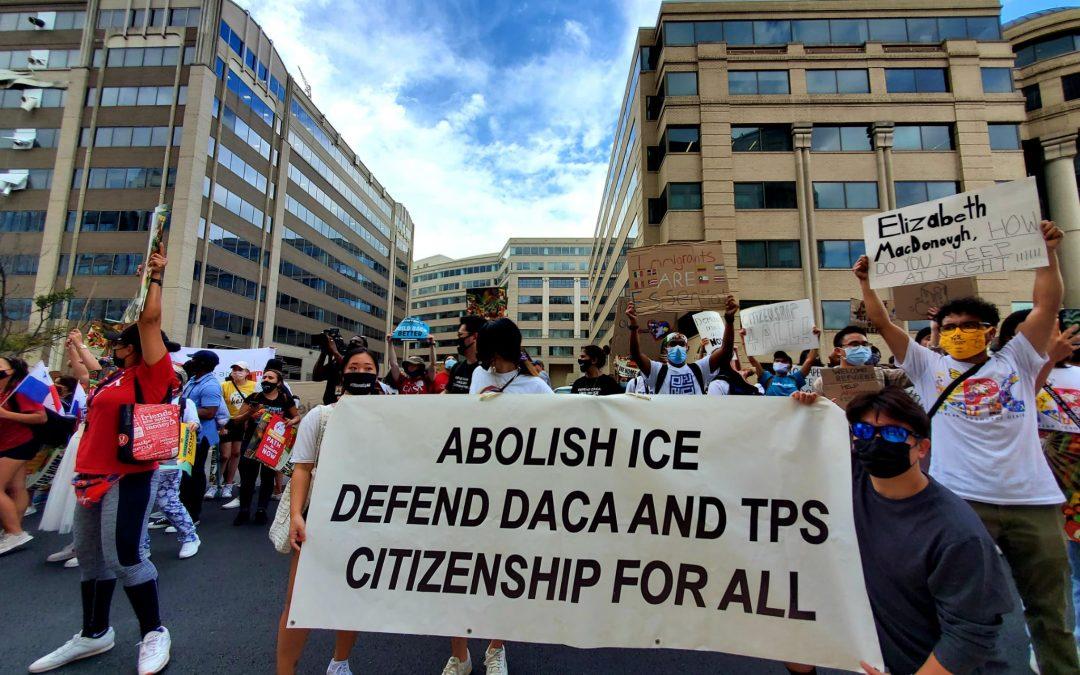 Marchan en DC por la ciudadanía de migrantes, el medio ambiente y el cuidado