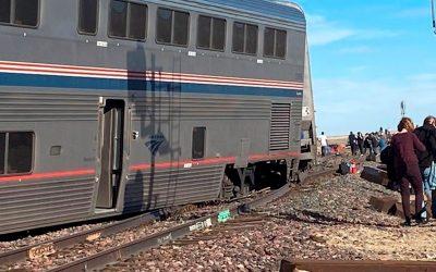 Tres muertos y 50 heridos tras el descarrilamiento de un tren en Montana
