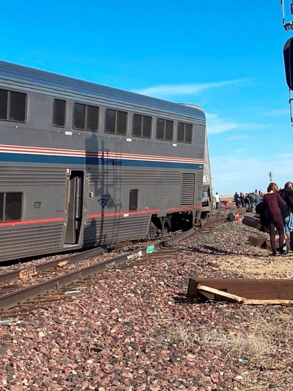 Tren descarrilado en Montana
