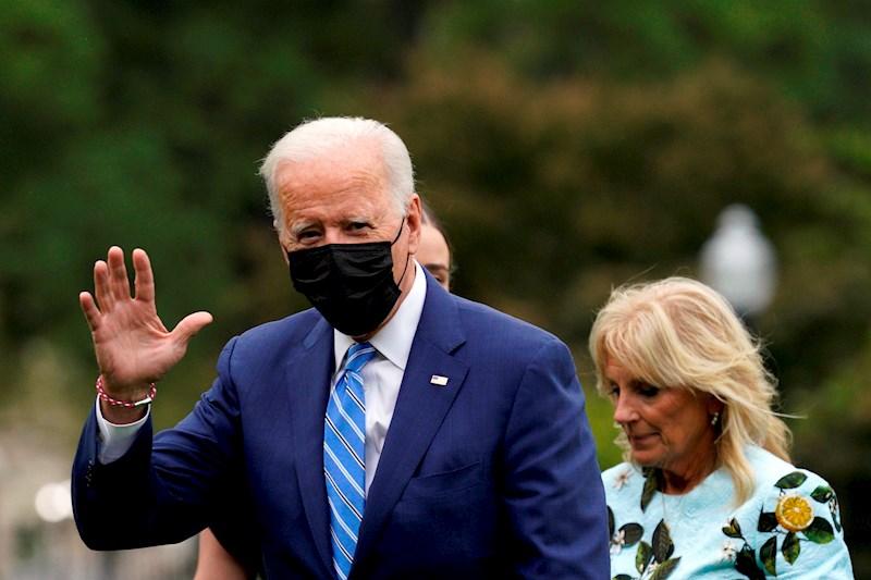 Biden levanta restricciones de viajes por fronteras terrestres para personas completamente vacunadas